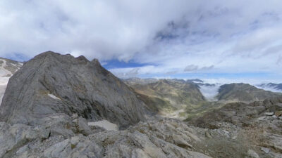 petit vignemale con niños pirineo frances rutas de montaña en familia alpinismo con ñiños explorando rincones