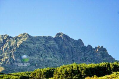 pico curavacas montaña palentina con niños senderismo naturaleza montaña escalada
